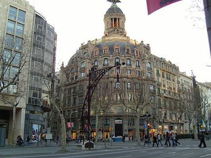 Barcelona paseo de gracia shopping street for Ave hotel barcelona madrid